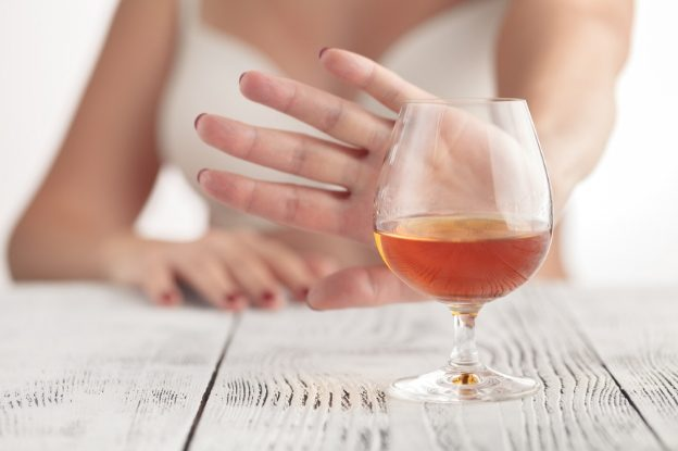 El consumo nocivo del alcohol causa daños físicos y psicológicos