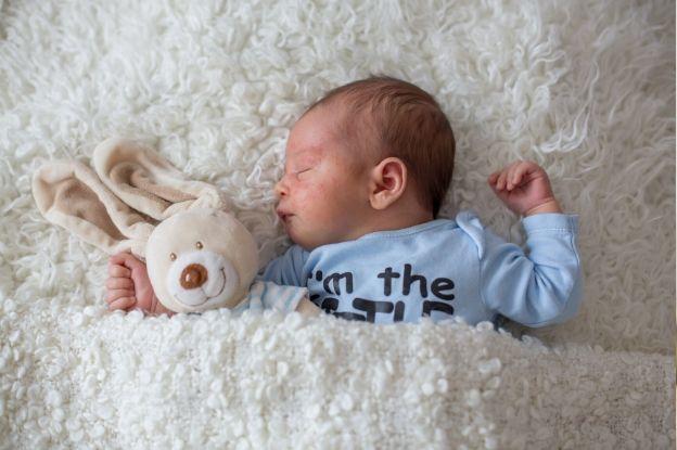 Bebé con piel atópica | El Boticario en casa