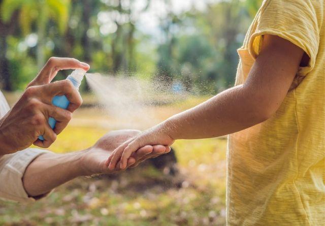 El repelente es uno de los productos para evitar la picadura de los mosquitos