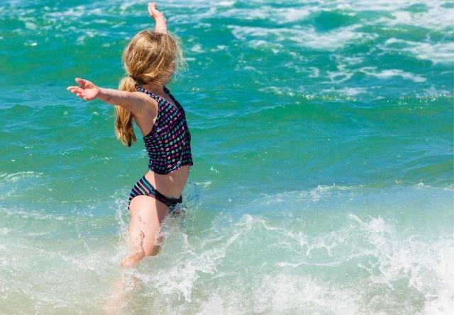 Los niños suelen ser los más afectados por las picaduras de medusa